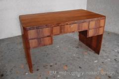 scrivania mid-century naked testo