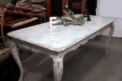 tavolo in stile shabby chic